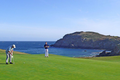 Golf along Normandy cliffs