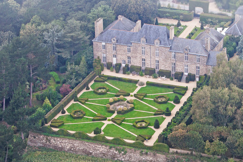 Luxury hotel close to Mont-Saint-Michel, Chateau La Ballue