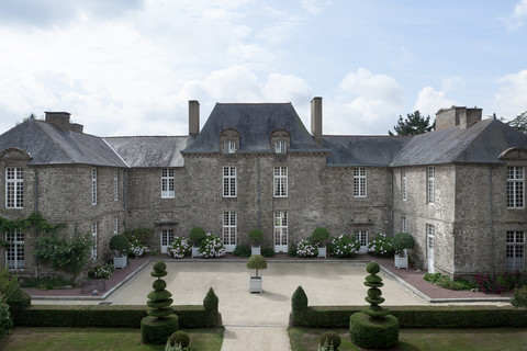Bed and Breakfast in Brittany - This is the Chateau La Ballue with it's famous gardens.