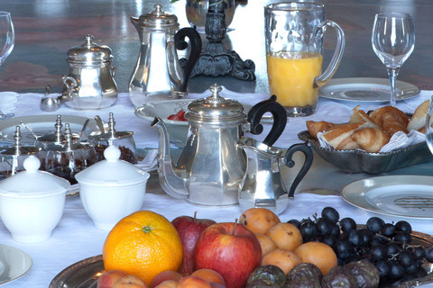 Breakfast at the Chateau of la Ballue - charming bedrooms in Brittany - Mont Saint Michel